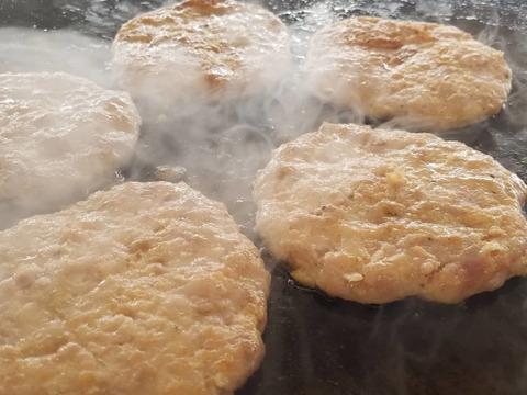【富士金華豚】 肉厚ハンバーグ4ケ 簡単調理レンジで温めるだけ
