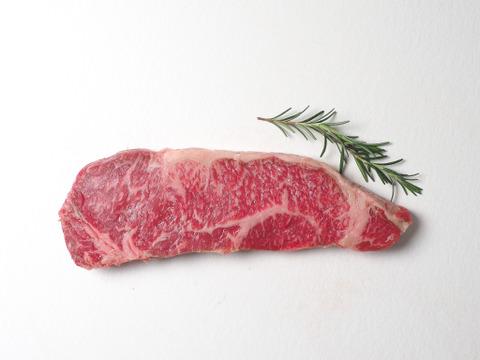 ジューシー!あか牛のサーロインステーキ 200g_阿蘇赤身和牛