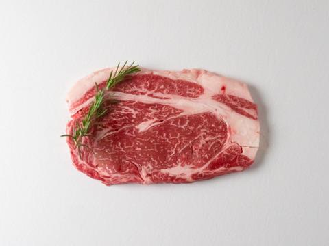 とろける!阿蘇赤身和牛(あか牛)リブロースステーキ 150g(一人前)