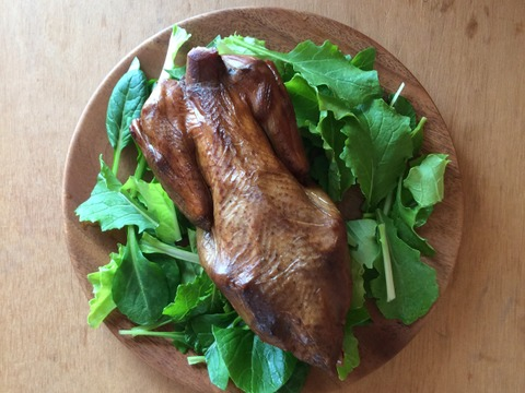 平飼い鶏のスモークチキン 2羽セット