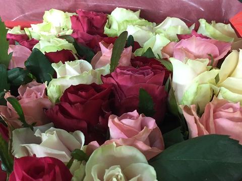 【期間限定:送料・クール代無料】贈答用の花束たっぷり30本【ピンク・赤・白系】