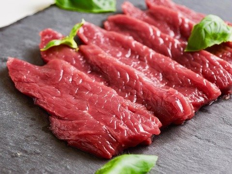 【400g】牧場長一押し!旨味No.1【牛肉?馬肉?】【ダチョウ肉ドラム】