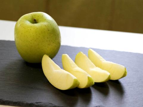 真冬の爽やかな甘味!王林🍏青森りんご2.5kg(9~14玉)