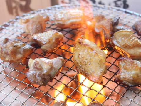 【味に自信あり】程よい歯ごたえと噛むたびに訪れる旨味、熊野地鶏1羽セット【冷凍】1.3~1.5kg