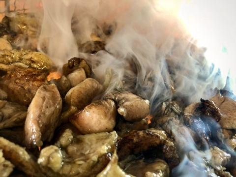 炭火の香り☆がクセになる!自家製 さつま極鶏大摩桜 炭火焼(冷凍)