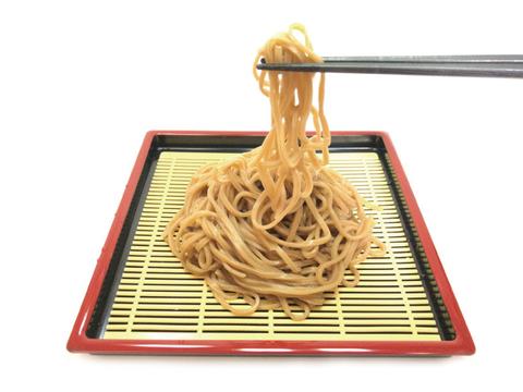 【みんなで食べられる5食入り★】青森県産生黒にんにく×中華めん!?