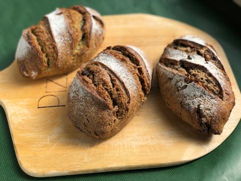 【超貴重な有機JAS認証パン】パンセット①:麦の栽培から一貫生産 自然栽培小麦のみ使用したドイツ風パンセット1